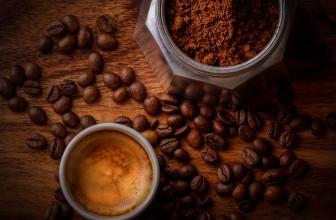 Le café et la maladie d'Alzheimer : un effet à double tranchant