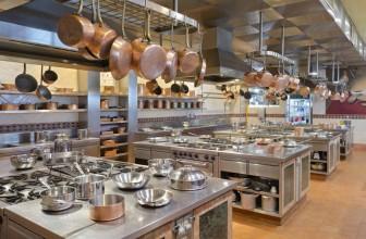 Les équipements indispensables dans une cuisine professionnelle